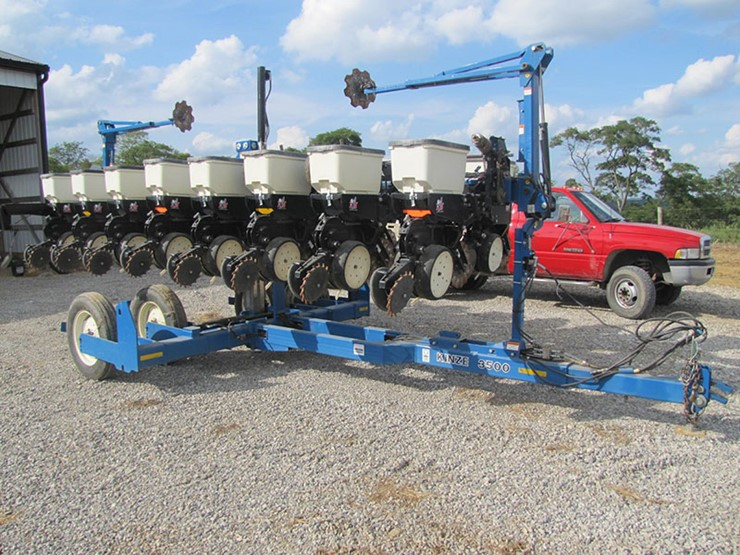 2010 Kinze 3500 Lot Farm Equipment Auction 12 15 2017 The