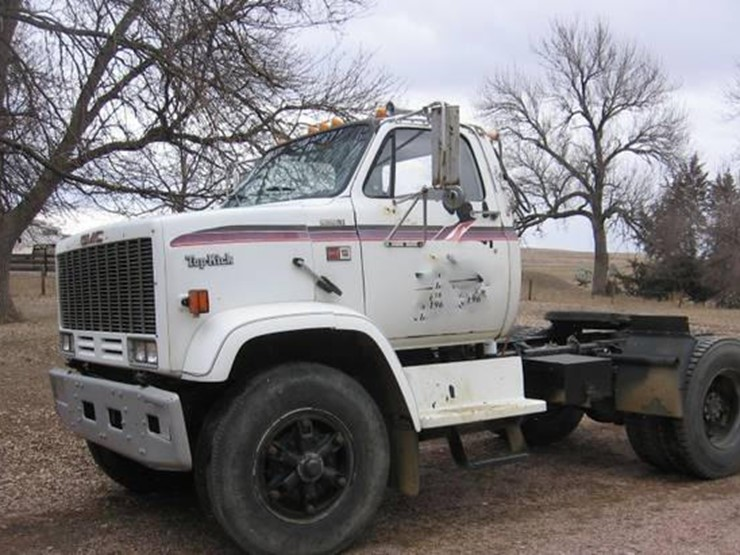 1989 GMC Topkick - Lot #158, Online Only Equipment Auction, 12/5