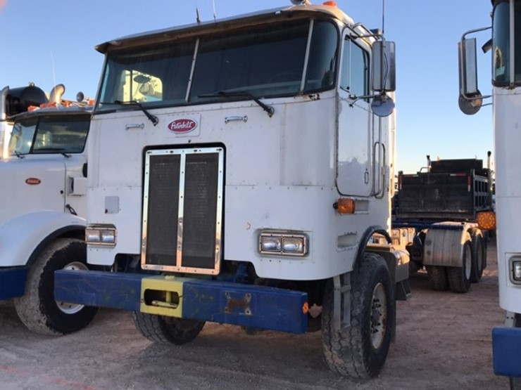2002 Peterbilt 362 - Lot #137, Odessa End of the Year Closeout Big