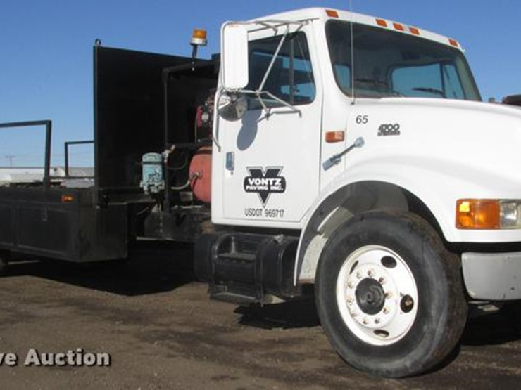 1998 international 4700 lot dd2912 online only construction 1998 international 4700 flatbed truck 466661 miles on odometer international dt466 76l l6 turbo diesel engine seven speed manual transmission sciox Choice Image