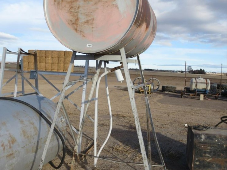 300 gallon overhead fuel tank wstand
