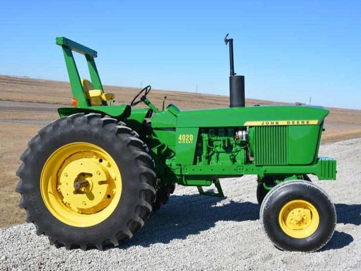 1971 John Deere 4020 - Lot #6, Farm Machinery Reduction