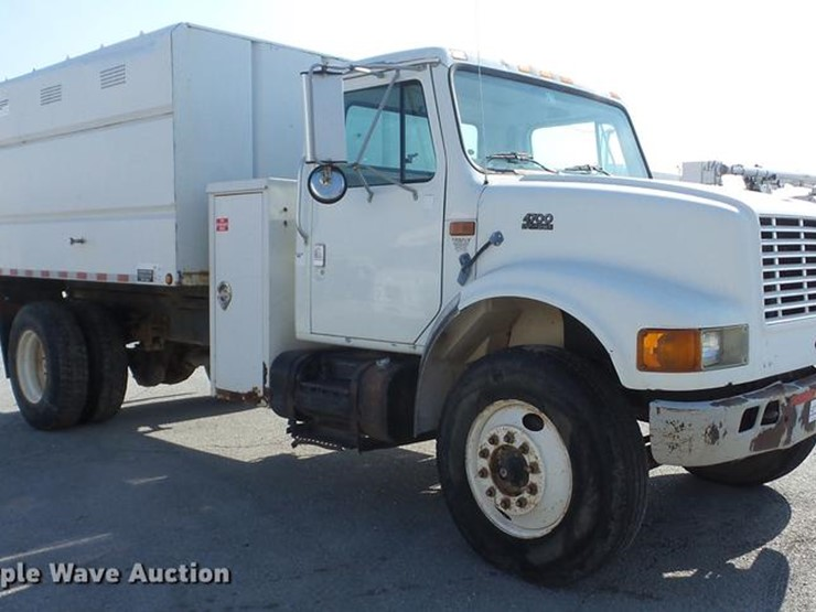 1998 international 4700 lot k6287 online only construction 1998 international 4700 chipper truck 294674 miles on odometer international dt466e 76l l6 turbo diesel engine seven speed manual transmission sciox Choice Image