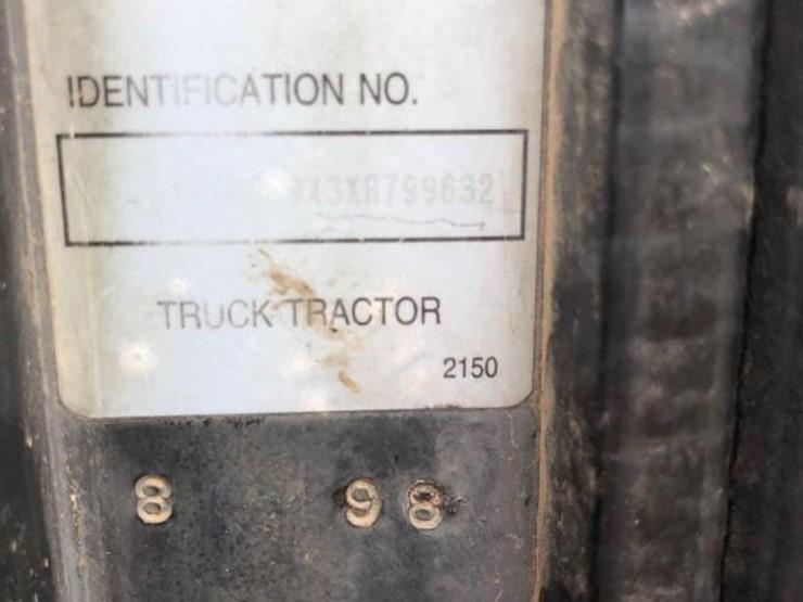 1998 Kenworth 2150 - Lot #121, Heavy Equipment Auction, 5/18