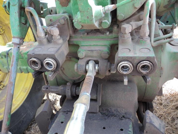 john deere 4020 engine serial number location