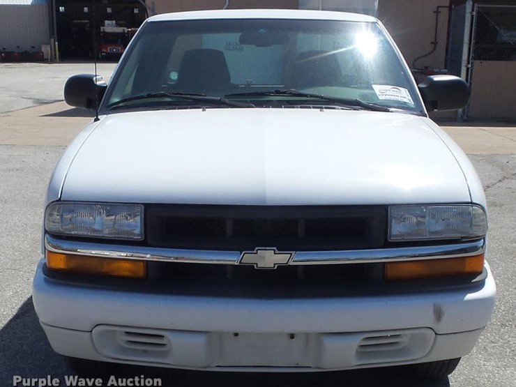 2000 Chevrolet S10 Ls Lot Dc7344 Online Only Government Auction