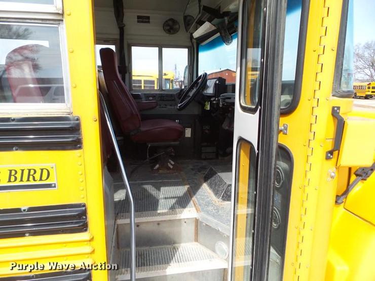 2002 Chevrolet Blue Bird CV200C school bus - Lot #L5672