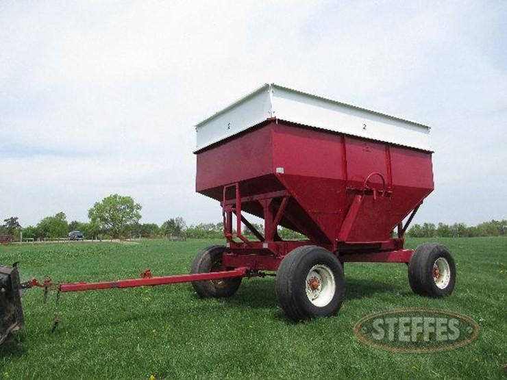 Gravity Box Lot 17 Farm Equipment Auction 6 21 2018 Steffes