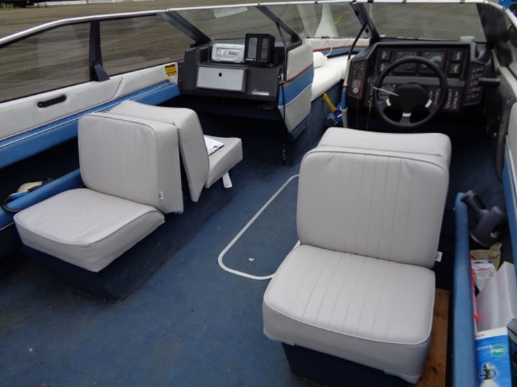 Outstanding 1987 Bayliner Capri 19 Boat Lot 7050 Online Only Caraccident5 Cool Chair Designs And Ideas Caraccident5Info