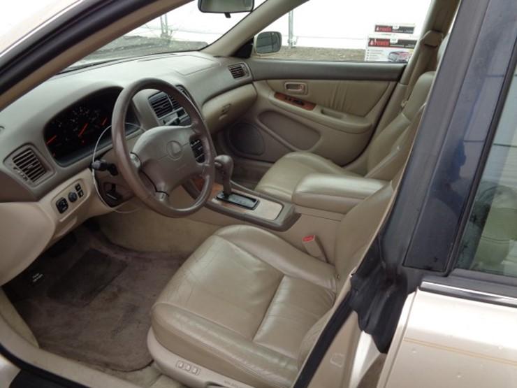 1999 Lexus ES300 - Lot #6712, Online Only Equipment Auction, 6/30