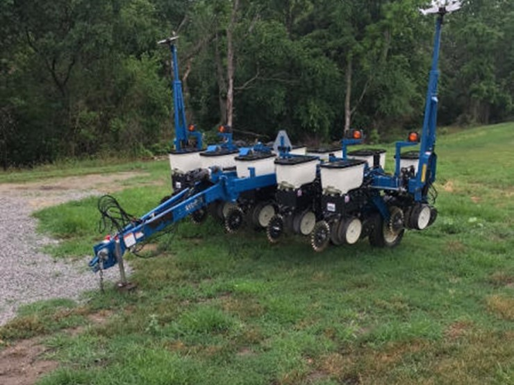 2009 Kinze 3000 Lot 230 Online Only Equipment Auction 7 10 2018