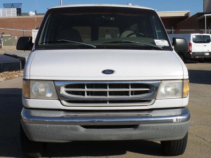 1998 Ford Club Wagon E350 - Lot #DD1425, Online Only