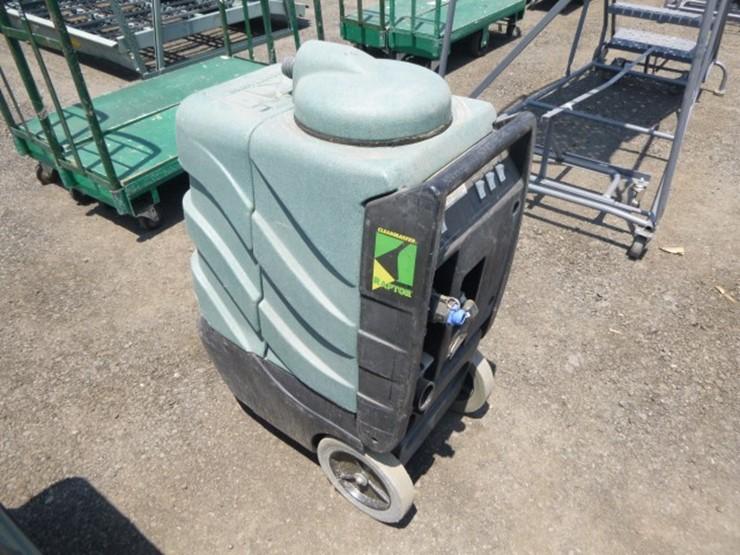Clean Master Raptor Carpet Cleaner - Lot #2352, Equipment
