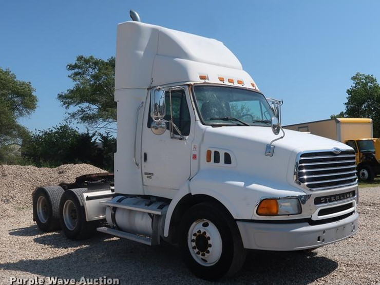 2005 Sterling AT9500 - Lot #EP9438, Online Only Truck and Trailer