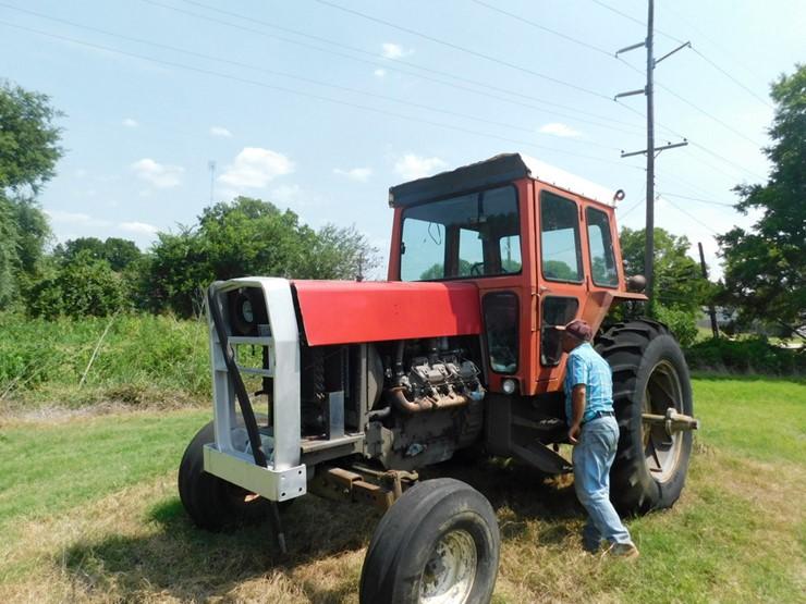 Massey-Ferguson 1100 - Lot #7806, July Online Only Auction