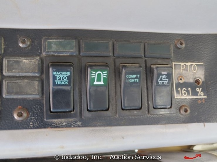 2000 Freightliner FL70 - Lot #, Online Only Equipment