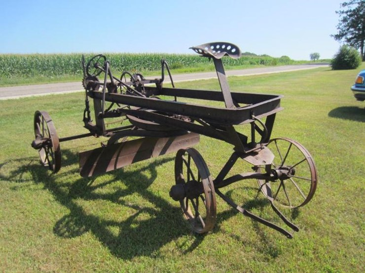 antique road grader lot 51 online only equipment auction 8 16