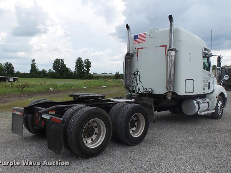 2005 Freightliner COLUMBIA - Lot #DB7105, Online Only Truck