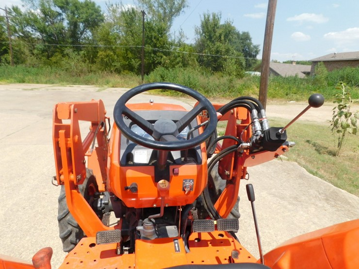 Kubota L2800 - Lot #8558, August Online Only Auction, 8/28/2018