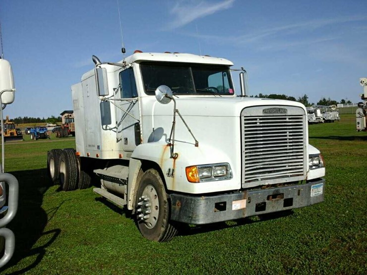 96 Freightliner Tri Axle Tractor Truck - Lot #6102, Heavy