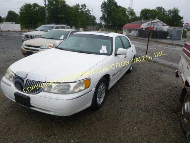 1999 Lincoln Town Car Lot 1094 Equipment Auction 9 15 2018