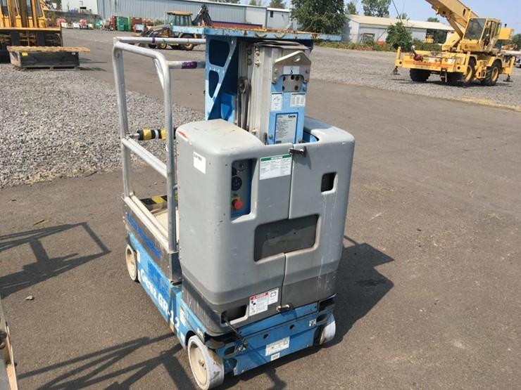 2008 Genie GR-12 Scissor Lift - Lot #TEMP4201, Equipment