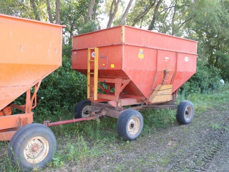 J M Model 250 Gravity Box Heavy Duty Gear Lot 118 Farm