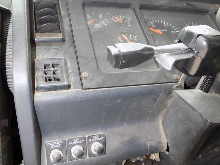 1993 White GMC WG64T - Lot #DB8643, Online Only Truck and