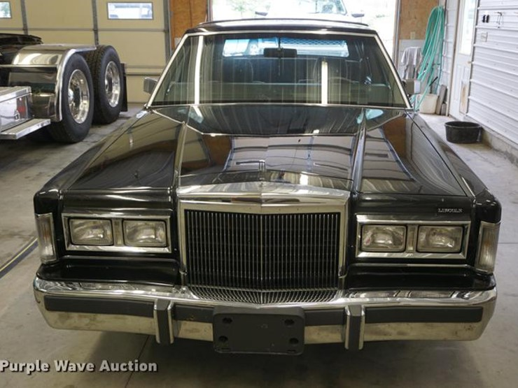 1988 Lincoln Town Car Lot Es9972 Online Only Vehicle And