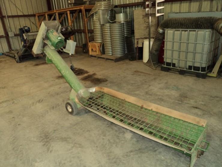 Undercar Grain Auger - Lot #15, Online Only Equipment