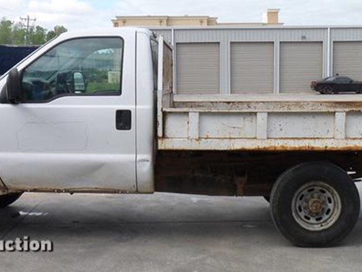 2003 Ford F250 - Lot #DD5941, Online Only Vehicle and Equipment