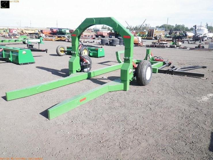 New RMK Round Bale Retriever - Lot #1334, Equipment & Vehicle