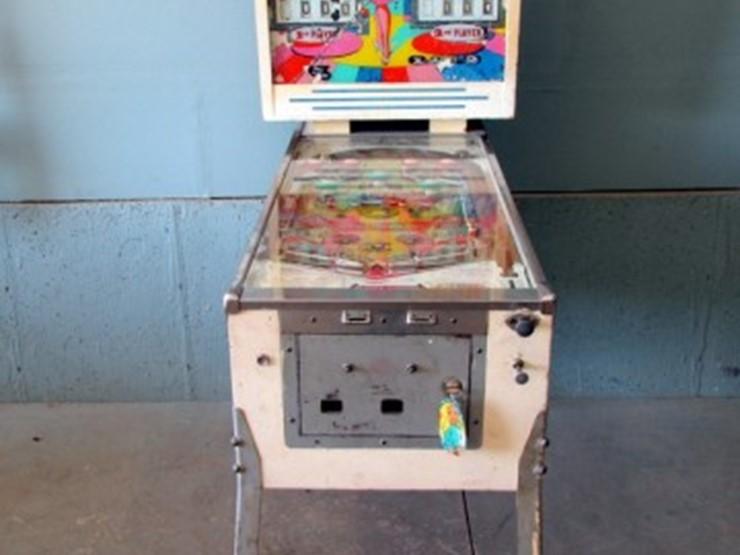 Williams Two Player Coquette Pinball Machine - Lot #Z-878