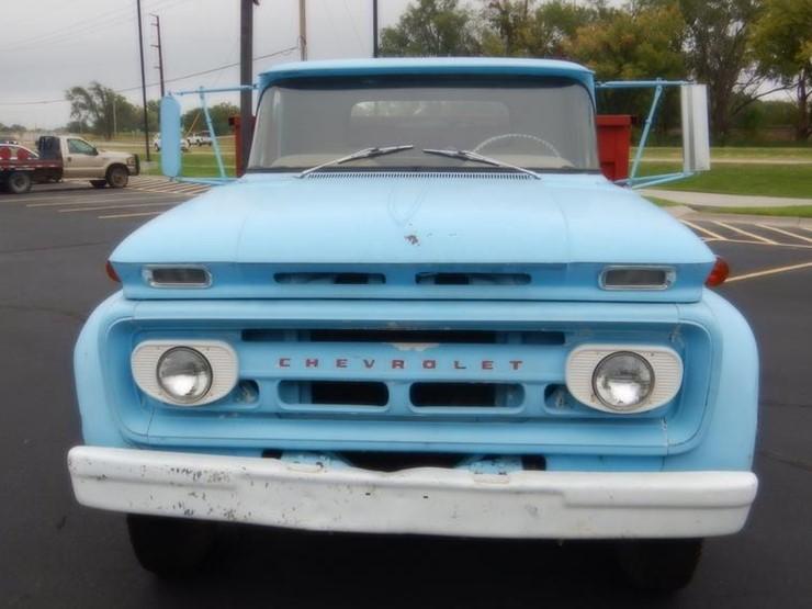 1962 Chevrolet C60 - Lot #DF1852, Online Only Ag Equipment Auction