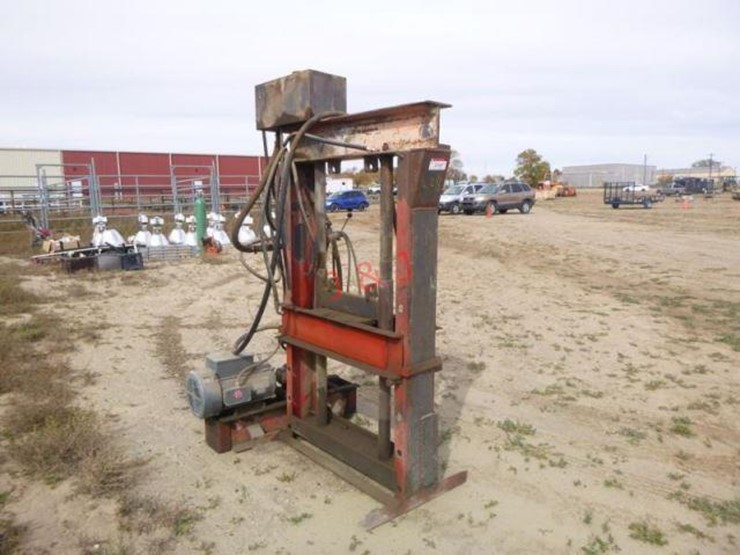 Carolina Fabrication Shop Press - Lot #3501, Farm