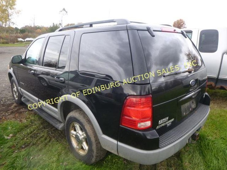 2002 Ford Explorer XLT - Lot #1118, Equipment Auction, 11/17