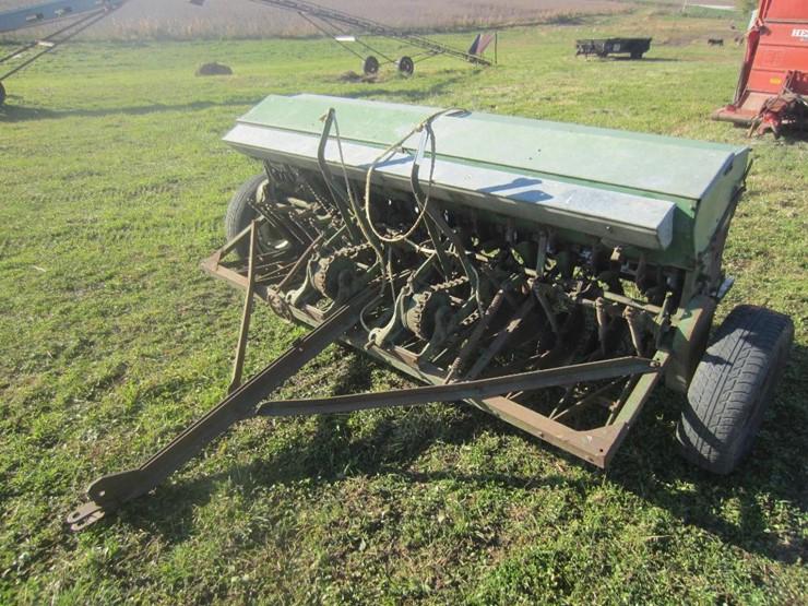 John Deere 8ft Grain Drill Lot 4307 Online Only