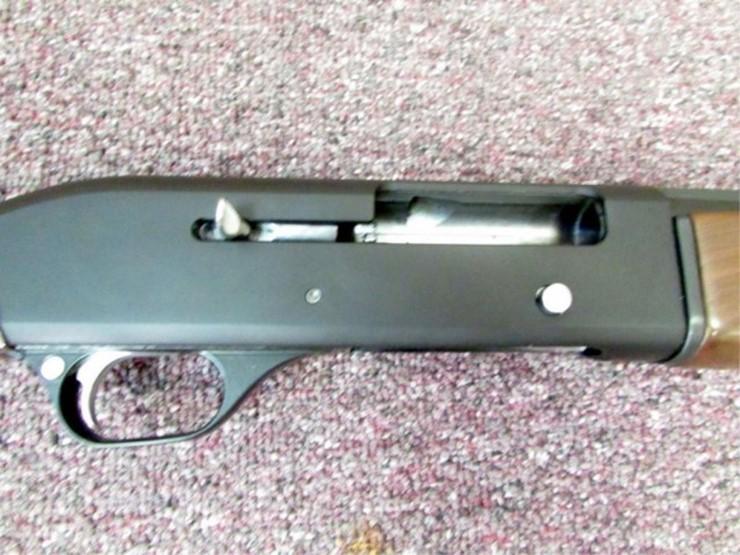 CZ/ Huglu 20 Gauge Semi Auto Shotgun   Pickett Auction Service - Lot