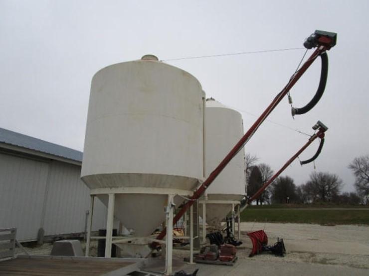 Friesen Bulk Tank - Lot #123, Online Only Farm and