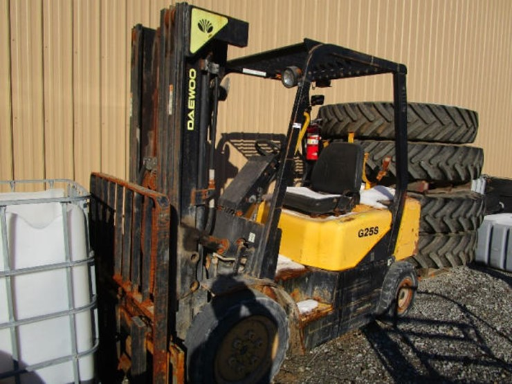 Daewoo Forklift - Lot #72, Online Only Farm and Construction