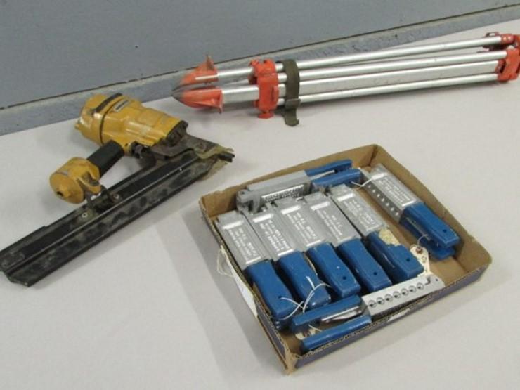 Nail Gun & Tripod & Fishing Jig Molds | Pickett Auction Service