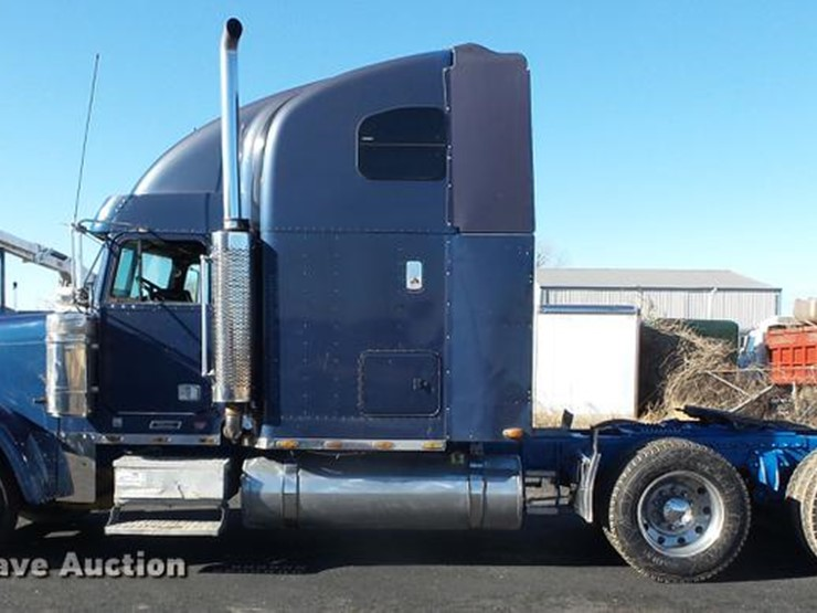 2001 Freightliner Classic - Lot #DD2380, Online Only Truck