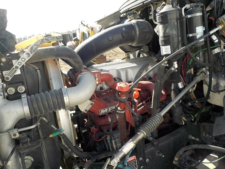 Mack GU813 Tri-Axle Dump Truck c/w Mack MP7 Diesel Engine