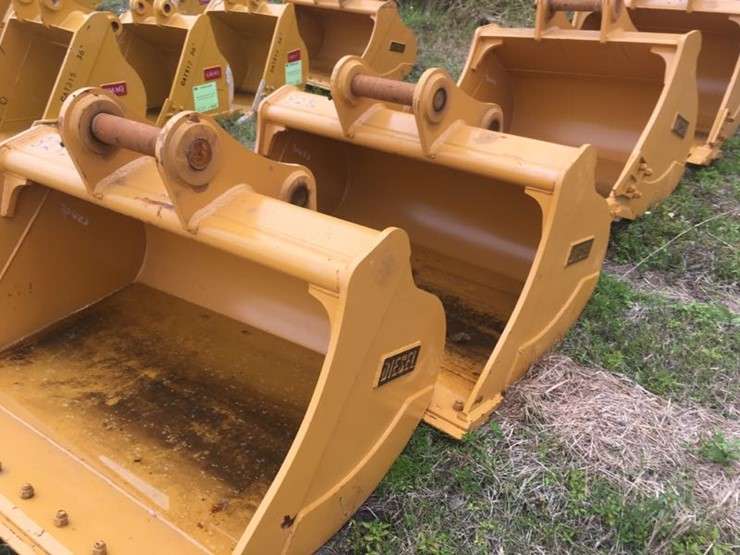 NEW DIESEL 60IN  DITCH CLEAN OUT BUCKET EXCAVATOR BUCKET fits Cat