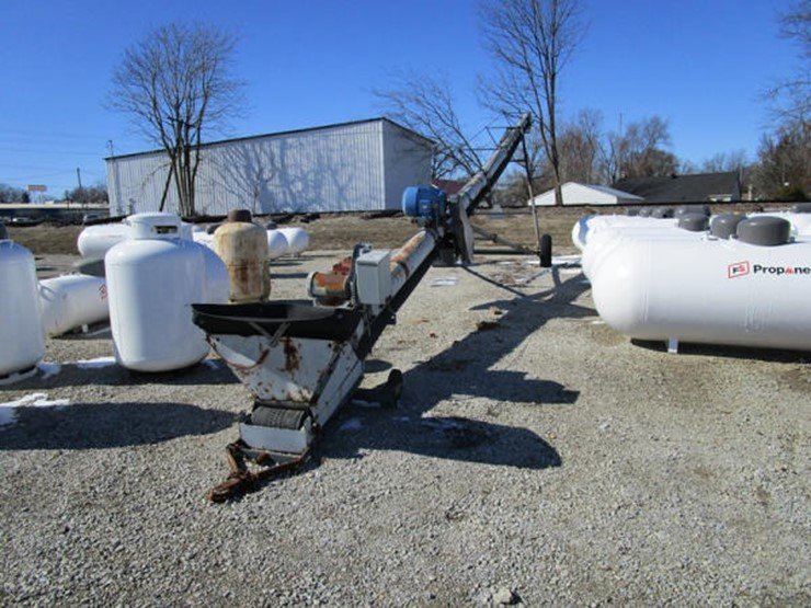 Speed King Seed Conveyor - Lot #170, Online Only Equipment Auction