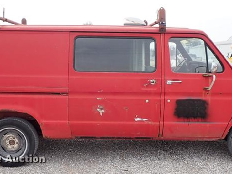 1982 Ford E150 - Lot #DF8875, Online Only Government Auction, 4/16