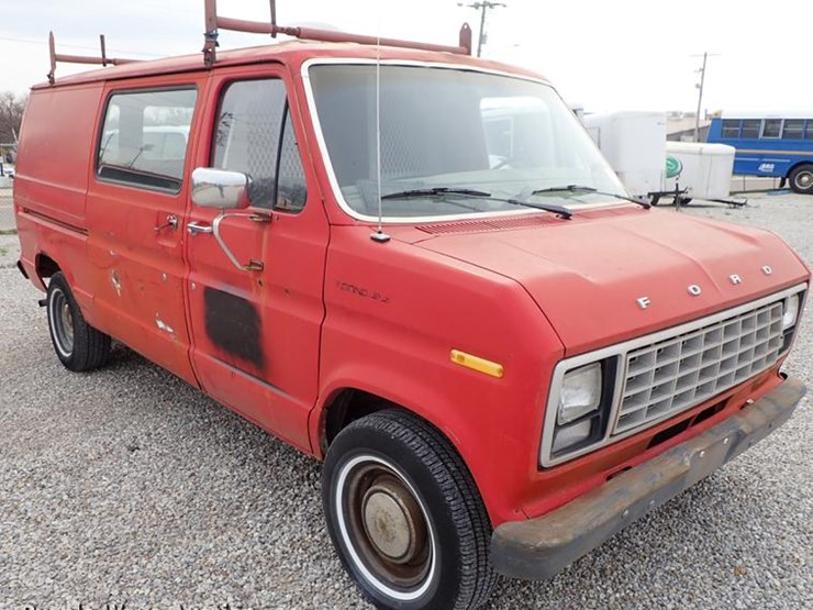 1982 Ford E150 - Lot #DF8875, Online Only Government Auction