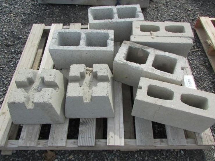 T-839 Cinder Blocks & Pier Posts - Lot #, Magic Valley