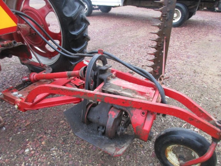 International 200 - Lot #162, Online Only Equipment Auction, 4/23