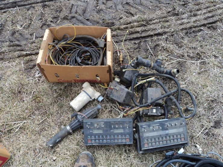 Raven SCS 440 Controllers (PZ1603) - Lot #264, Online Only ... on